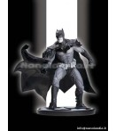 "ST Batman - Batman Black & White by Lee Bermejo - 7"" Statue"