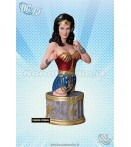 LYNDA CARTER AS WONDER WOMAN BUST